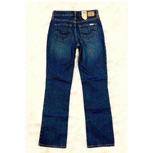 NWT LEVIS Mid Rise Bootcut Blue Jeans